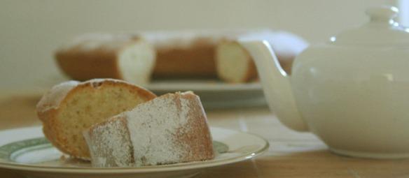 yoghurt-savarin-cake