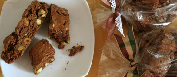 pistachio chocolate biscotti